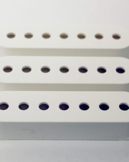 !! DISCONTINUED !! STRAT SINGLE COVER 7- STRINGS WHITE (3PCS)